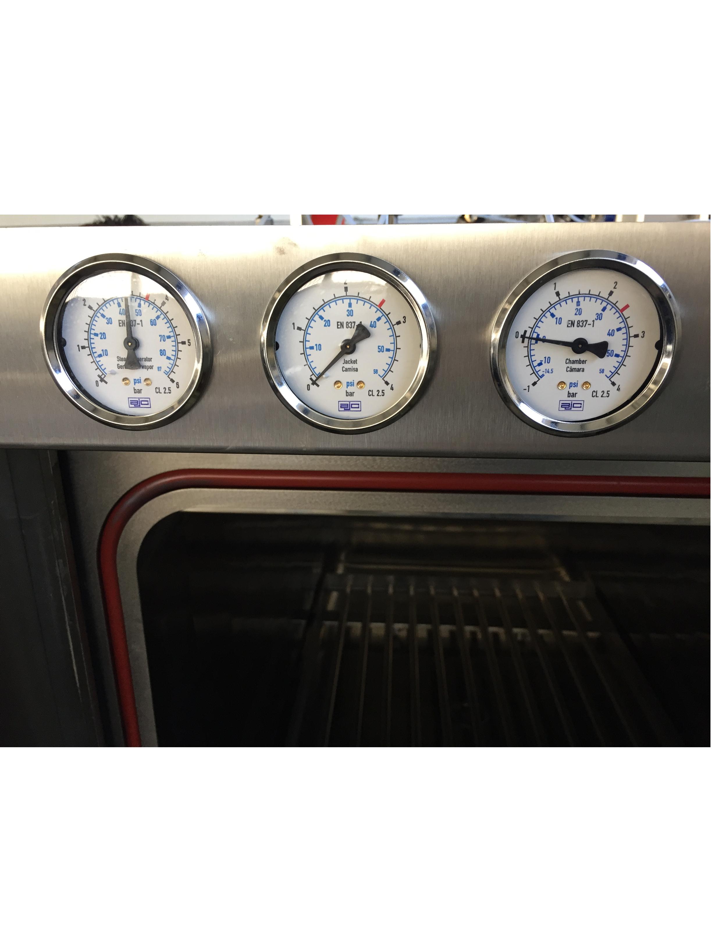 AJC - Manomètres de façade Amaro 5000